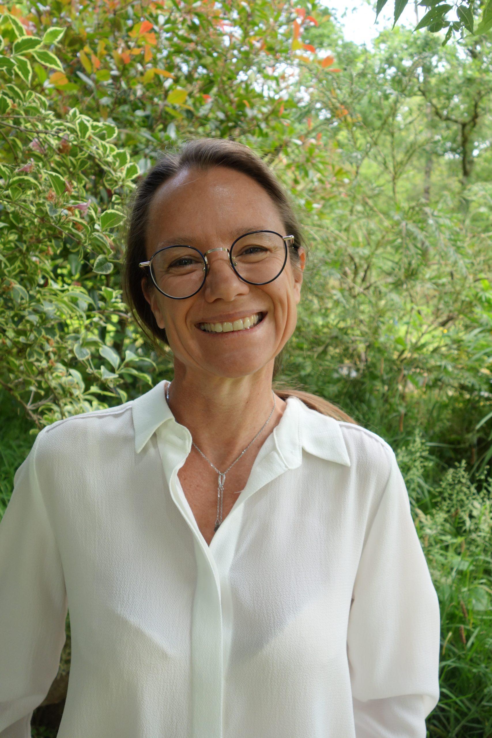 Interview : Véronique Bouquet, thérapeute en sophro-analyse & art-thérapie et formatrice.